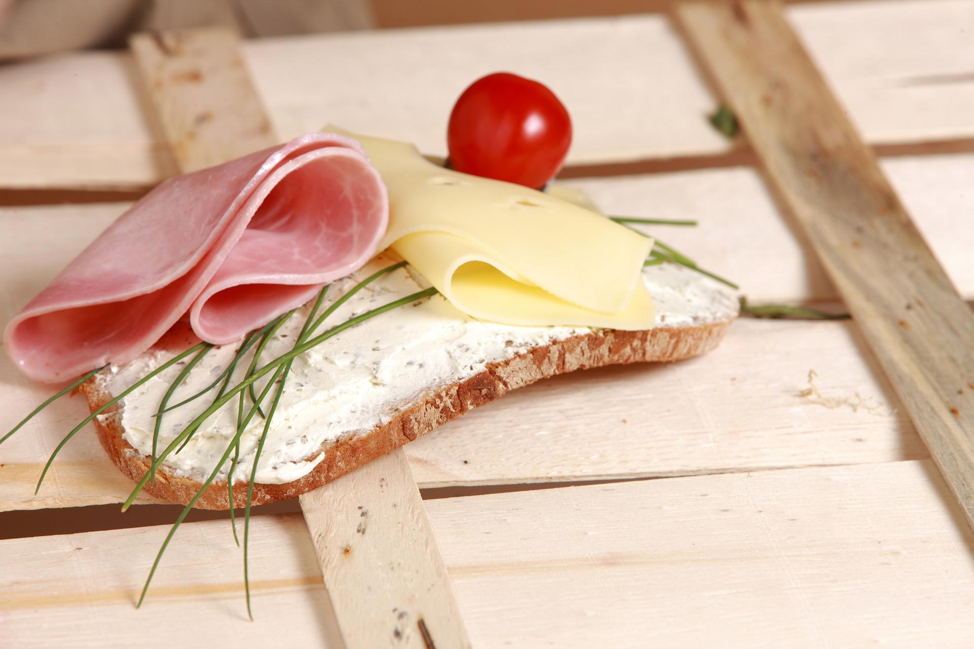 корисний бутерброд