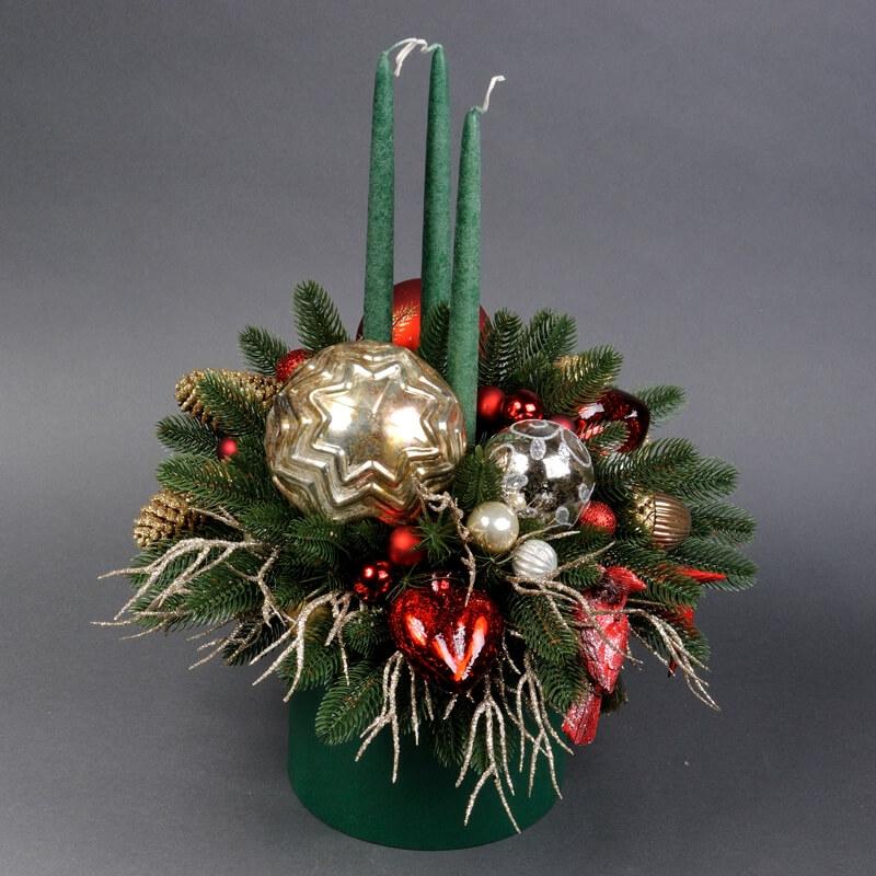 Новорічні свята з зимовими композиціями та букетами